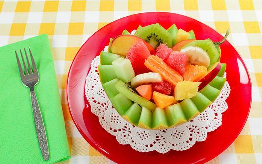 Фото Тарелка с фруктовым салатом