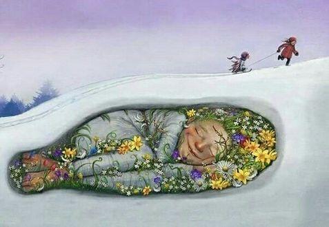 Фото Спящая девочка весна под снегом, по которому бегут дети с санками, художница Lisa Aisato