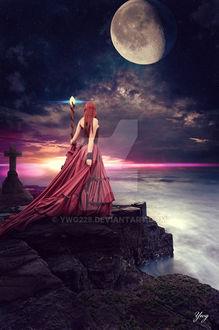 Фото Девушка стоит на скале на фоне облачного неба с луной, by ywg228
