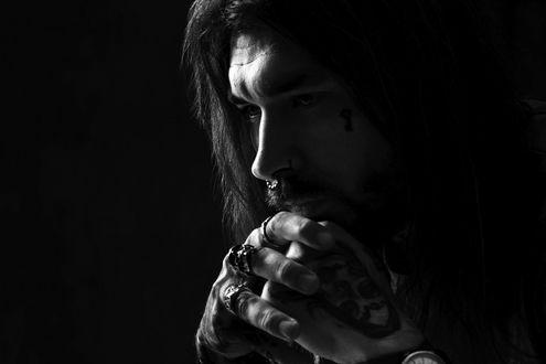 Фото Задумчивый, грустный парень Сергей. Фотограф Жирнов Андрей