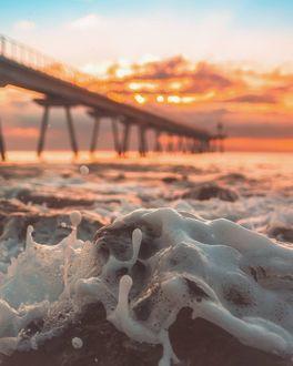 Фото Морская волна на закате