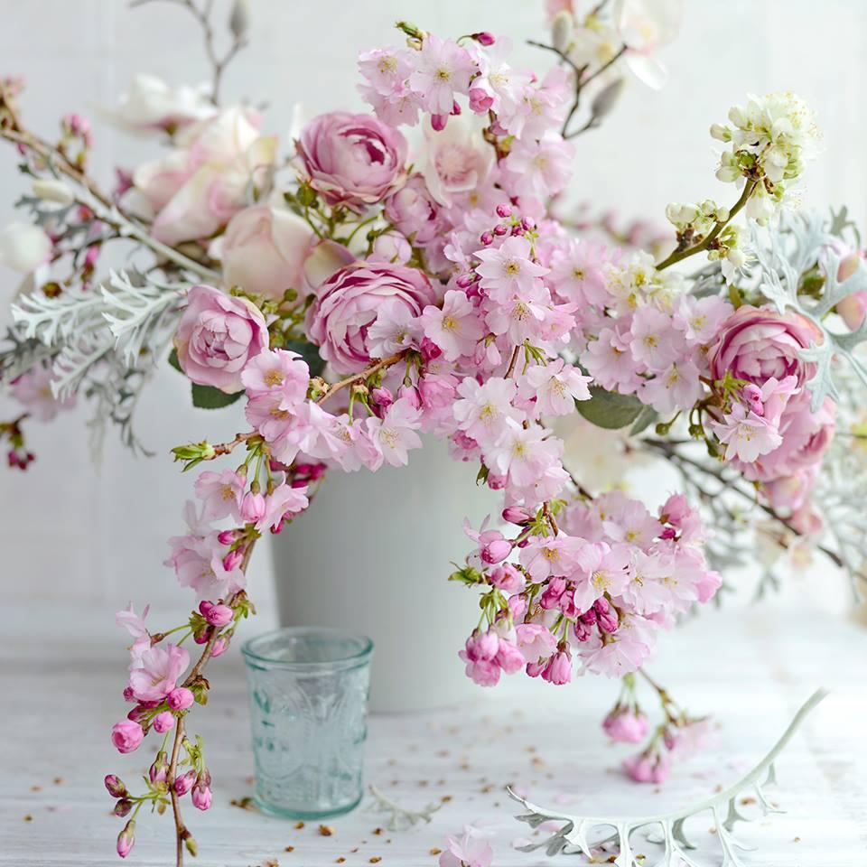 Весенний букет в вазе, Sarah Gardner Photography