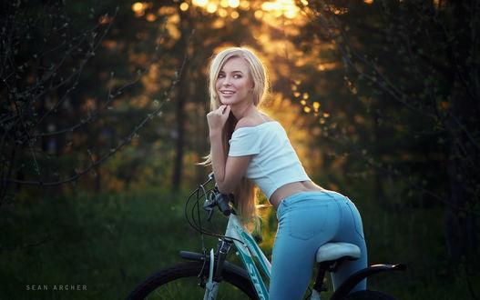 Фото Модель Виктория на велосипеде, фотограф Sean Archer