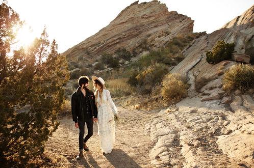 Фото Красивая и нежная love-story Кейси и Алекса на природе