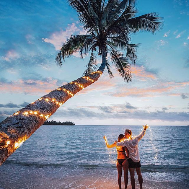 Фото Парень с девушкой на пляже. Фотограф Джейкоб Риглин
