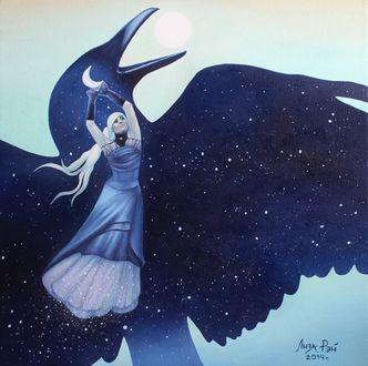 Фото Девушка держит месяц, являющимся глазом ночного ворона, by Лиза Рэй