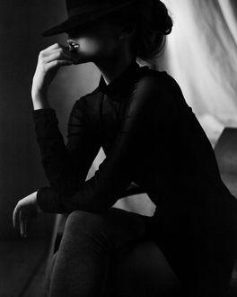 Фото Задумчивая девушка в шляпе, фотограф Алексей Трифонов