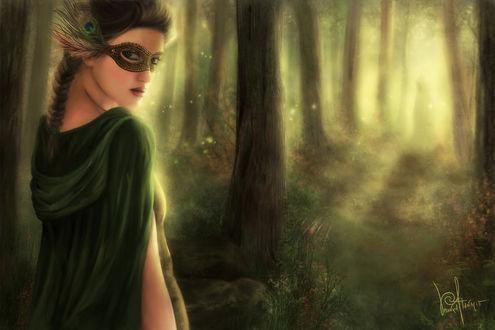 Фото Фантастически загадочная девушка с маской на лице в дремучем лесу среди деревьев, by folkvangar