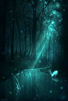 Фото Серебреный олень пьет воду из речки, над которой кружат светлячки, в ночном лесу