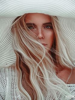 Фото Блондинка в шляпе, фотограф Светлана Беляева