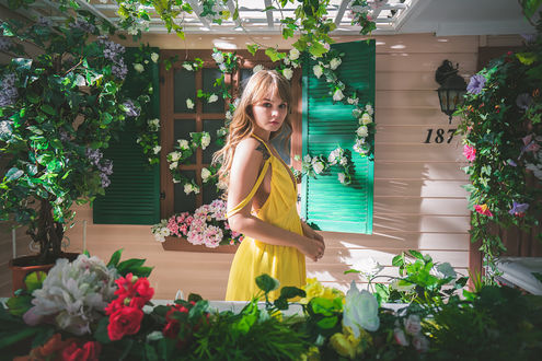 Фото Модель Анастасия Щеглова в желтом сарафане, фотограф Daria Klepikova