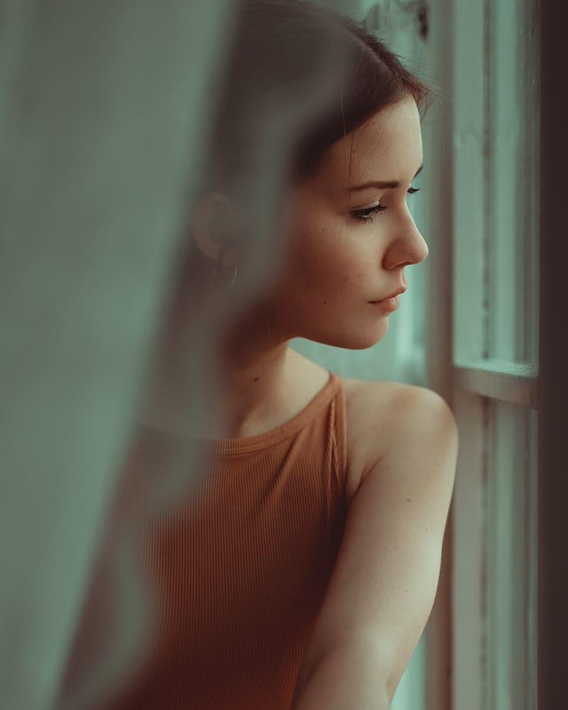 Фото Девушка за гардиной. Фотограф Andreas Weise
