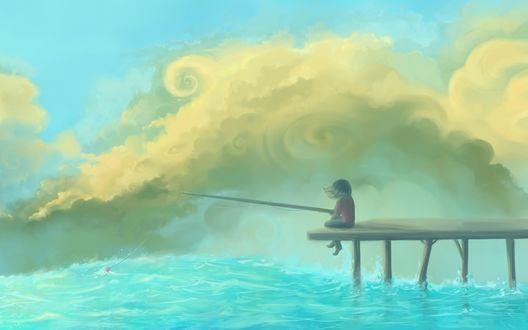 Фото Девочка сидит с удочкой на реке на причале, на фоне облаков