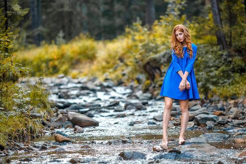 Фото Модель Яна стоит на речке. Фотограф Махиня Любовь