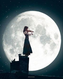 Фото Девушка со скрипкой в руках стоит на фоне полной луны, by onuraron