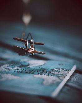 Фото Игрушечный самолет над картой, by _photobylotte