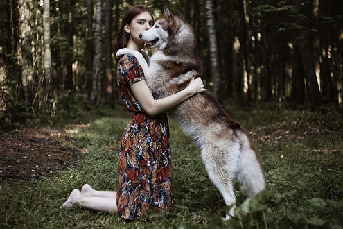 Фото Девушка с собакой на траве, фотограф Alexandra Bochkareva
