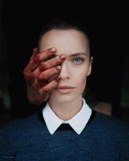 Фото Мужская рука на лице девушки, by platon_yurich