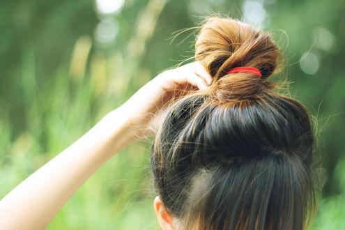 Фото Девушка с пучком на голове, by feltwitheart