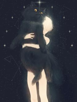 Фото Белокурый мальчик держит на руках черного кота, стоя на фоне ночного неба с созвездиями