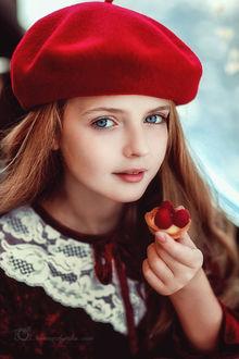 Фото Милая девочка в красном берете. Фотограф Невмержицкая Татьяна