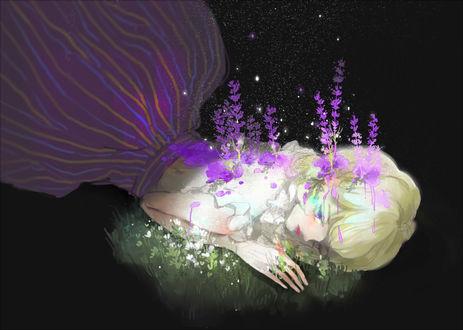 Фото Из тела девушки растут сиреневые цветы