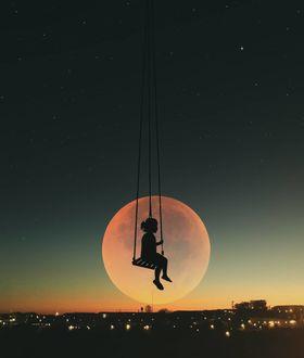 Фото Девочка на качели на фоне луны, by Abdullah Evindar