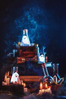 Фото Призраки в колбочках и горящие свечи, by dinabelenko