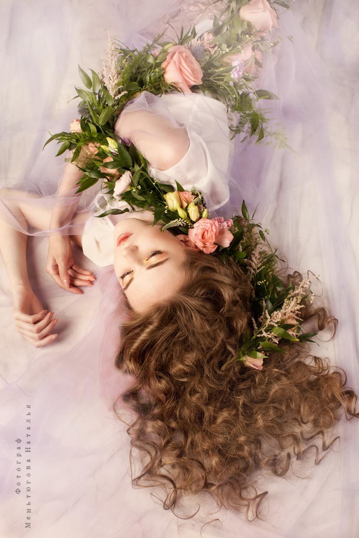 Фото Девушка с цветами в образе нимфы, фотограф Меньтюгова Наталья