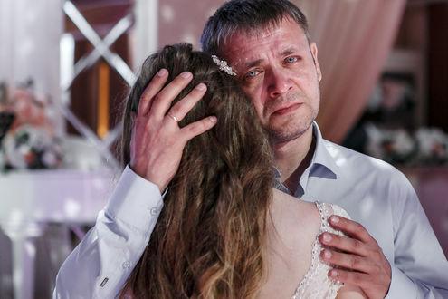 Фото Слезы отца, танцующего с дочерью-невестой на свадьбе, фотограф Михаил Спасков