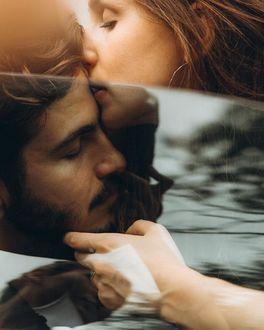 Фото Девушка целует парня, by maleyphoto