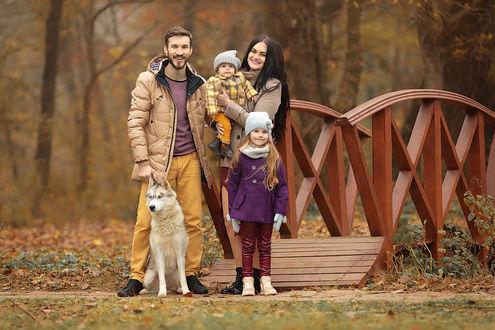 Фото Счастливая семья на прогулке. Фотограф Францева Ольга