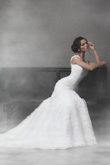 Фото Модель Ekaterina Vladi / Екатерина Влади в белом длинном платье