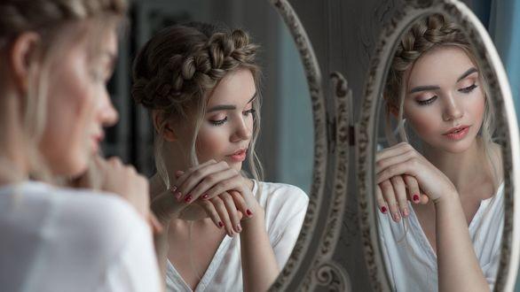 Фото Девушка Валерия сидит перед зеркалом, фотограф Вячеслав Щербаков