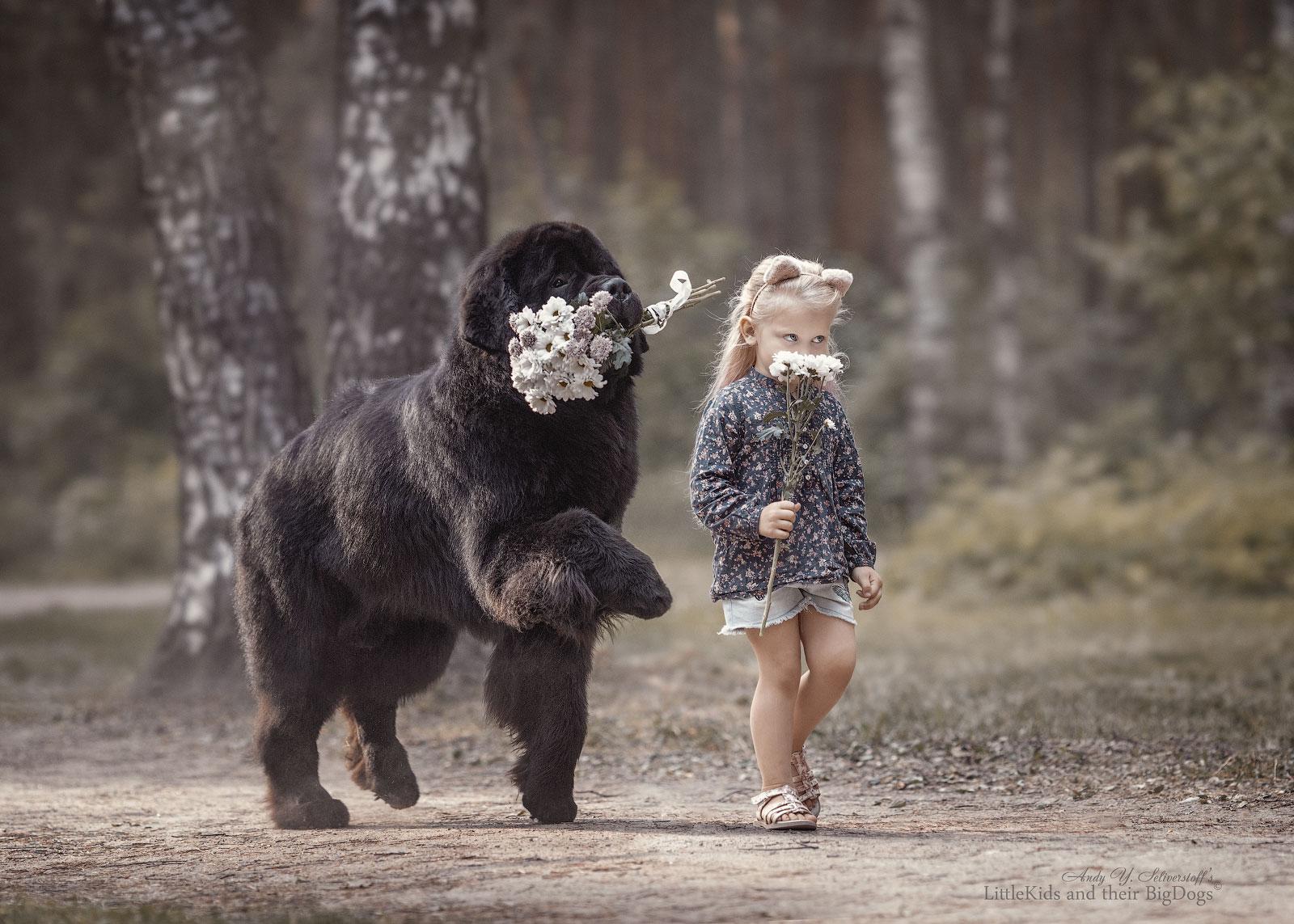 Фото Девочка и пес с цветами. Фотограф Андрей Селиверстов