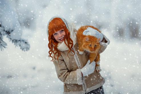 Фото Рыжеволосая девочка с рыжим котом. Фотограф Юлия Войнич