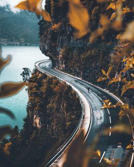 Фото Дорога у отвесной скалы, by marcelsiebert