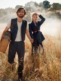Фото Актер Михил Хаушман / Michiel Huisman с девушкой в поле