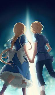 Фото Девочка и мальчик идут, держась за руки из аниме Мастера меча онлайн: Алисизация / Seord Art Online: Alicization