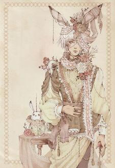 Фото Белокурый парень с кроличьими ушами, одетый в викторианском стиле, в кружевах, жемчугах и розах, с черепом на плече, стоит рядом с со столиком, на котором сидит кролик-единорог, art by Loputyn