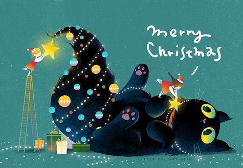 Фото Девочки в праздничных нарядах наряжают как новогоднюю елку лежащего черного кота, by Little Oil (Merry Christmas)