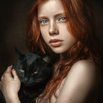 Фото Рената Валлиулина с кошкой. Фотограф Паршина Настасья