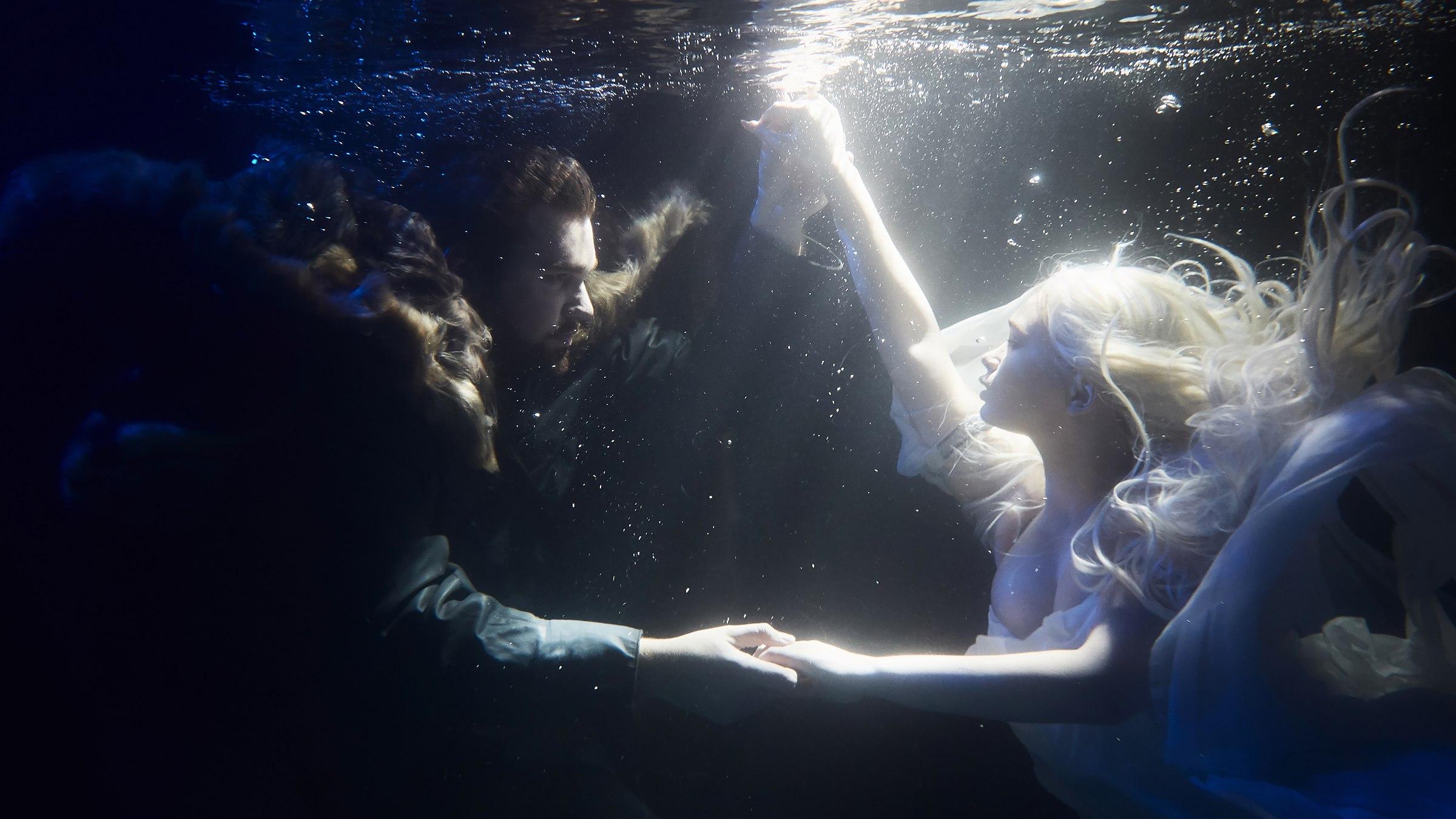 Фото Парень с девушкой под водой. Фотограф Слава Гребенкин