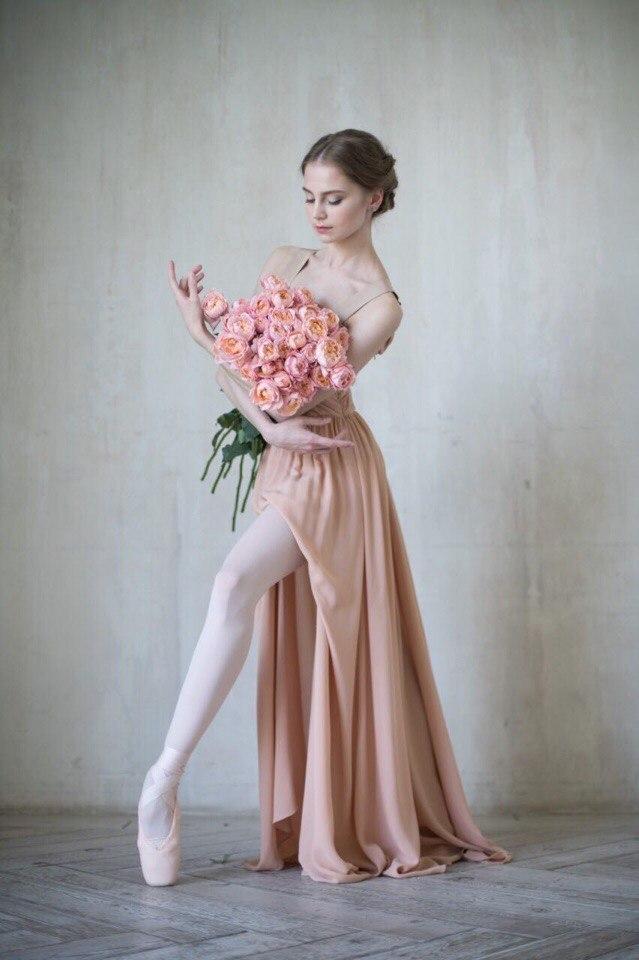 Балерина с букетом фото