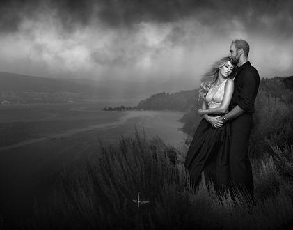 Фото Влюбленные стоят на фоне природы, фотограф Nikki Harrison