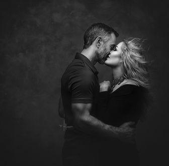 Фото Парень и девушка целуются. Фотограф Nikki Harrison