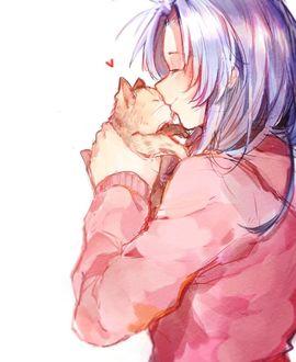 Фото Девочка целует котенка