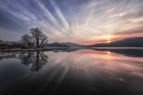 Фото Восход солнца над водной гладью, by c1113 (© zmeiy), добавлено: 12.02.2019 08:45
