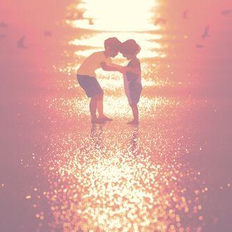Фото Дети на морском берегу