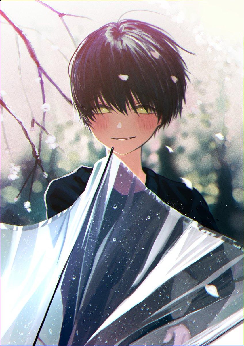 Фото Мальчик с зонтом в руках
